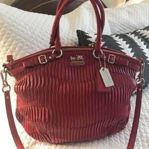 Coach Lindsey - Gathered Leather raspberry - EUC